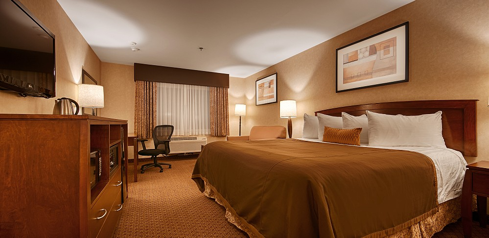 Best Western Plus Rowland Heights Los Angeles King Deluxe Room